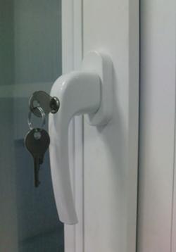 ручка с ключом ручка оконная с ключом 7(926)990-23-23 с 9:00 до 22:00